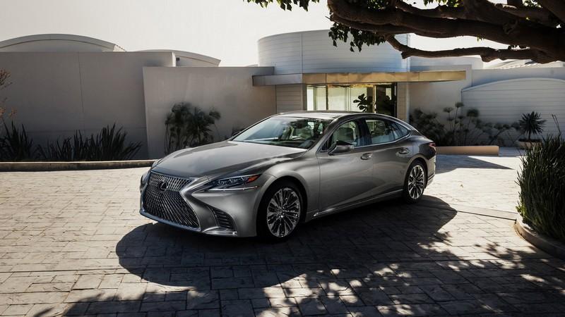 Lexus LS 2018  vista delantera