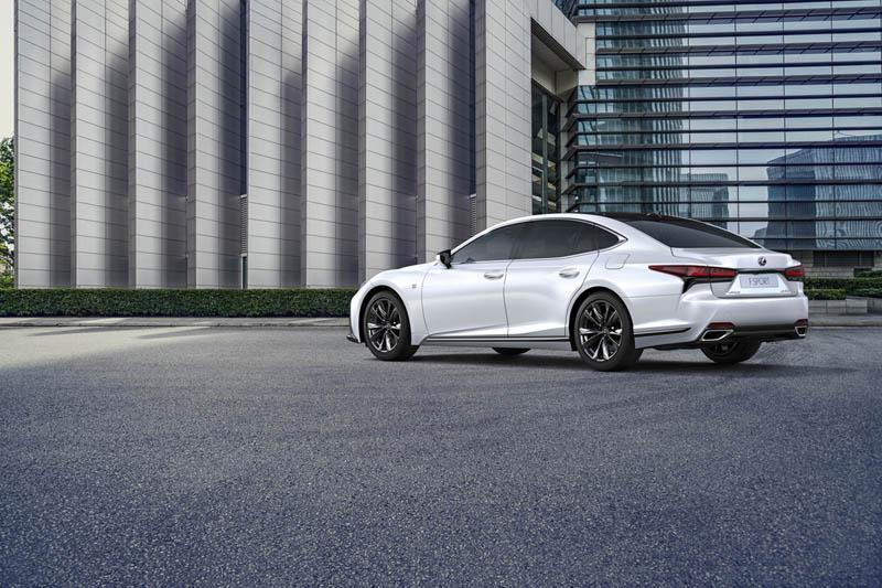 Foto Trasera Lexus Ls Sedan 2021