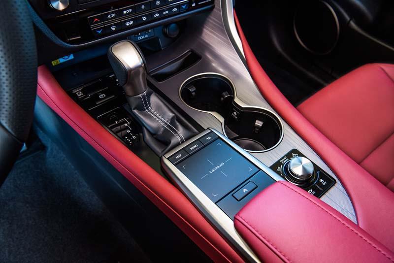 Lexus RX 450h 2020, foto cambio automático
