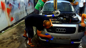Foto Reparando Audi Tt Mantenimiento Reparaciones
