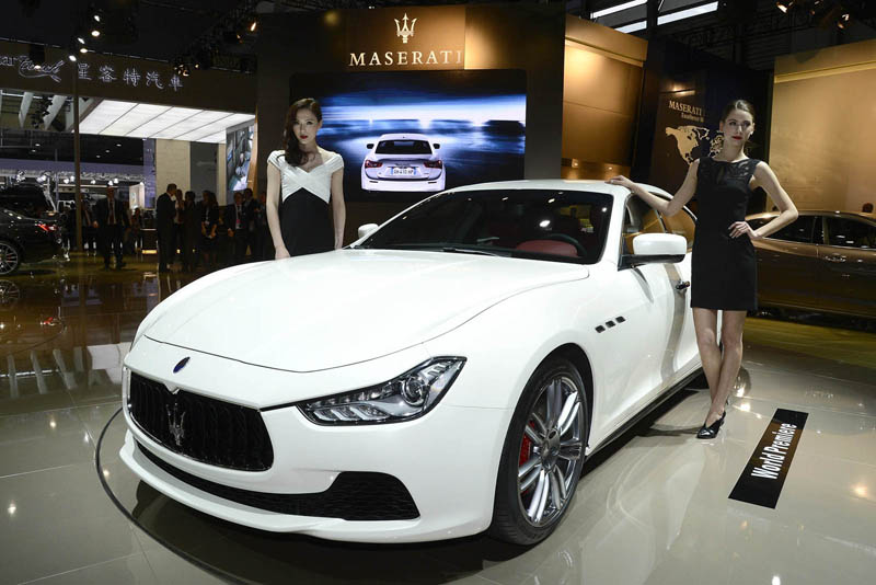 Foto Exteriores (2) Maserati Ghibli Sedan 2013