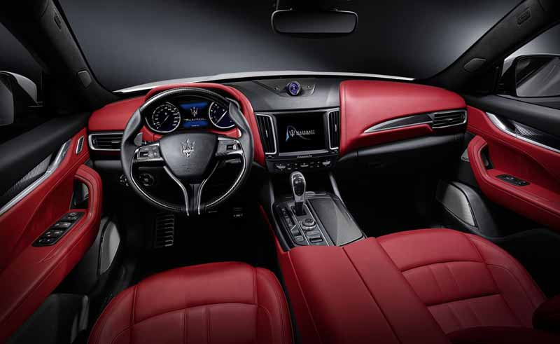 Prueba Maserati Levante diésel, foto salpicadero