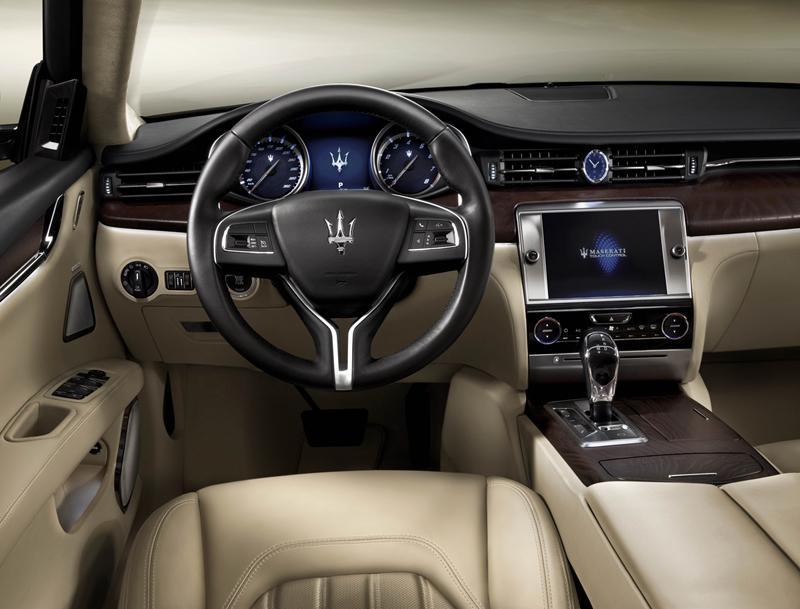 Foto Salpicadero Maserati Quattroporte Sedan 2012