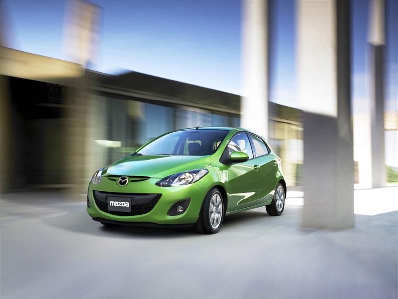 Foto Delantera Mazda 2 Dos Volumenes 2010