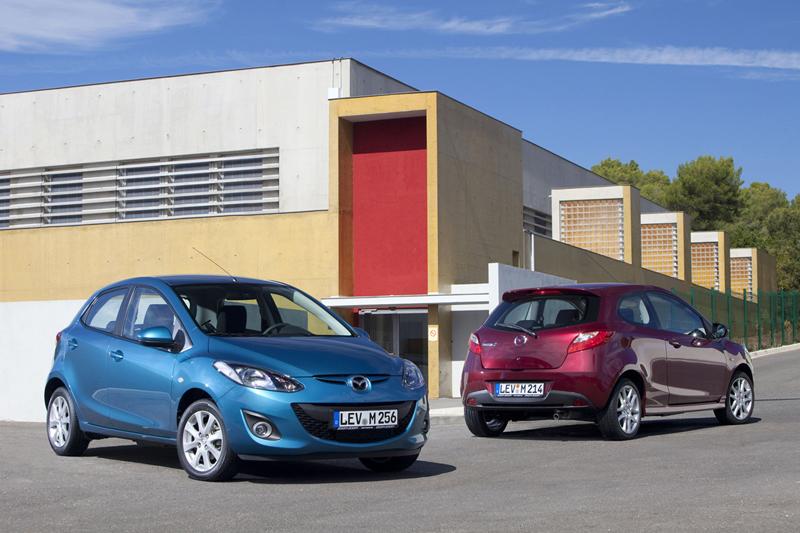 Foto Exteriores Mazda 2 Dos Volumenes 2010