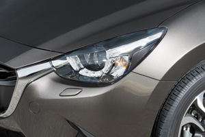 Foto Detalles 7 Mazda 2 Dos Volumenes 2015