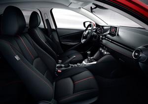 Foto Interiores 2 Mazda 2 Dos Volumenes 2015