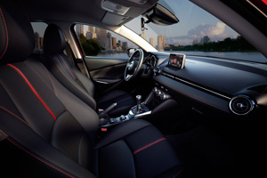 Foto Interiores 3 Mazda 2 Dos Volumenes 2015