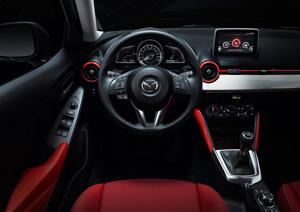 Foto Interiores 6 Mazda 2 Dos Volumenes 2015