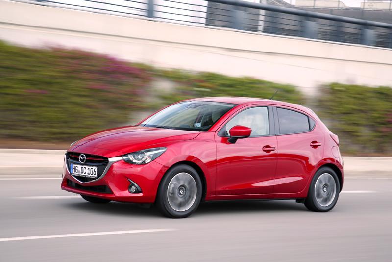 Foto Exteriores Mazda 2 Dos Volumenes 2015