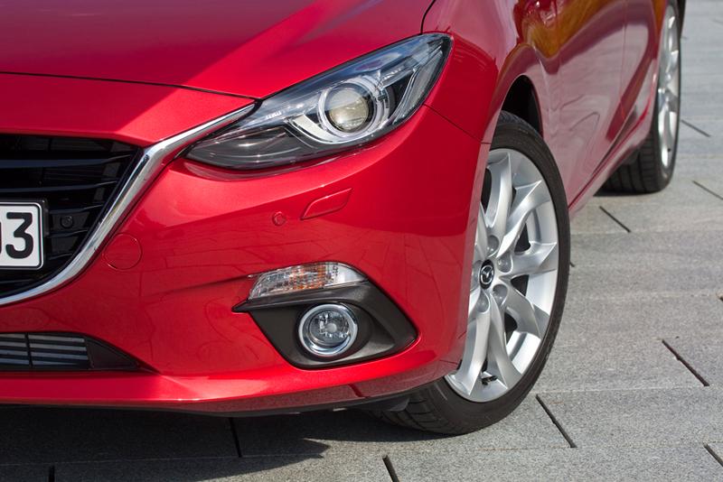 Foto Detalles Mazda 3 Dos Volumenes 2013