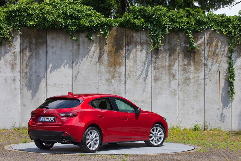 Foto Exteriores Mazda 3 Dos Volumenes 2013