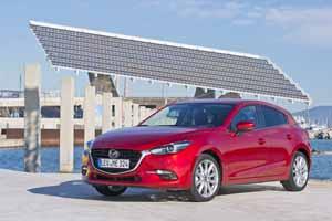 Foto Delantera Mazda 3 Dos Volumenes 2017