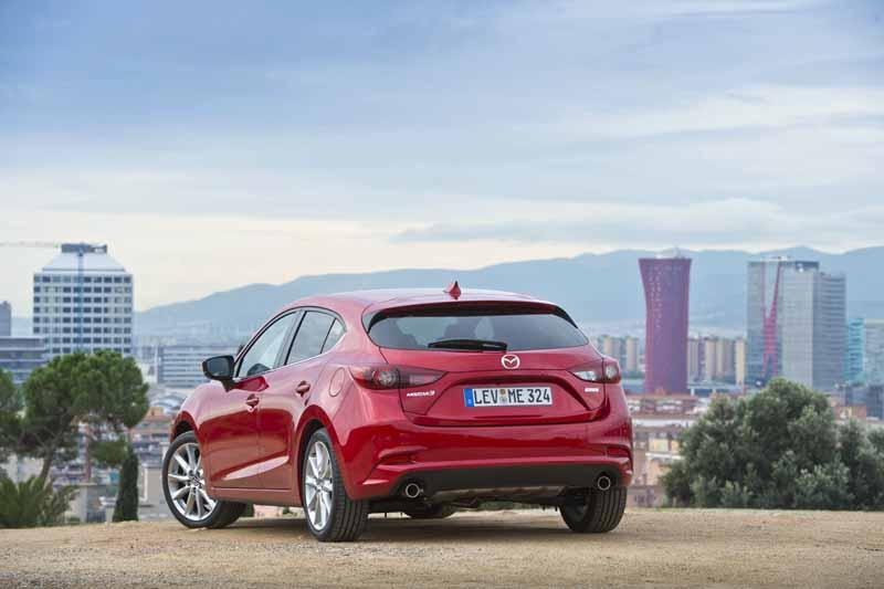 Foto Trasera Mazda 3 Dos Volumenes 2017