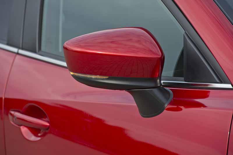 Foto Detalles Mazda 3 Dos Volumenes 2017