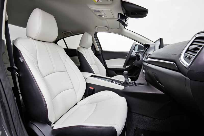 Foto Interiores Mazda 3 Dos Volumenes 2017
