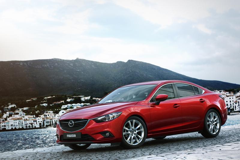 Foto Perfil Mazda 6 Sedan 2012