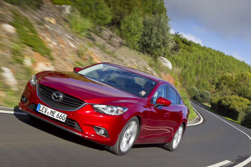 Mazda con SKYACTIV