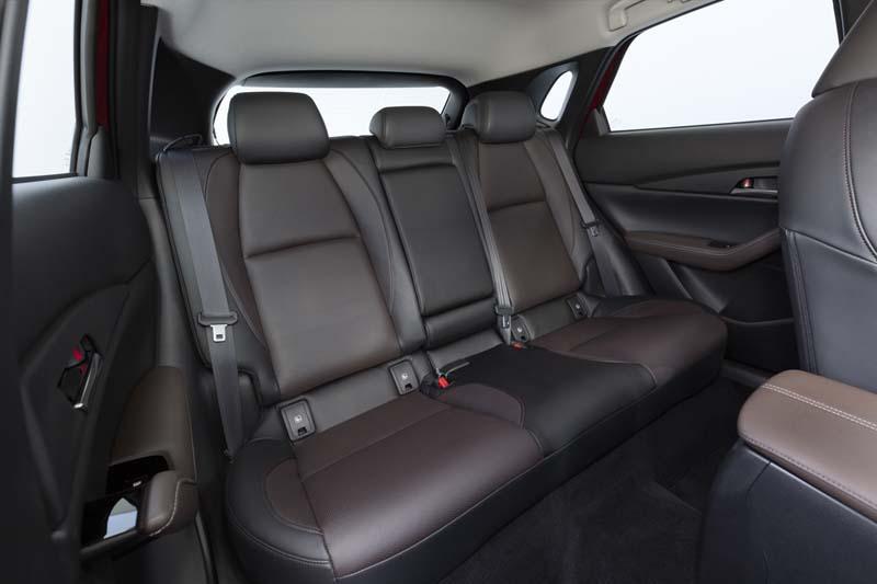Mazda CX-30, foto asientos traseros