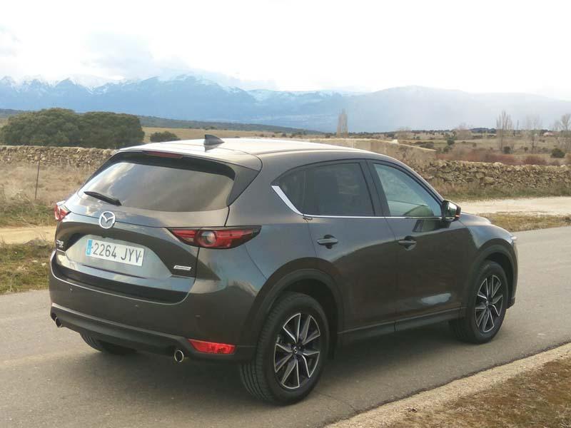 Mazda CX-5 2.0 SKYACTIV 2017, foto trasera