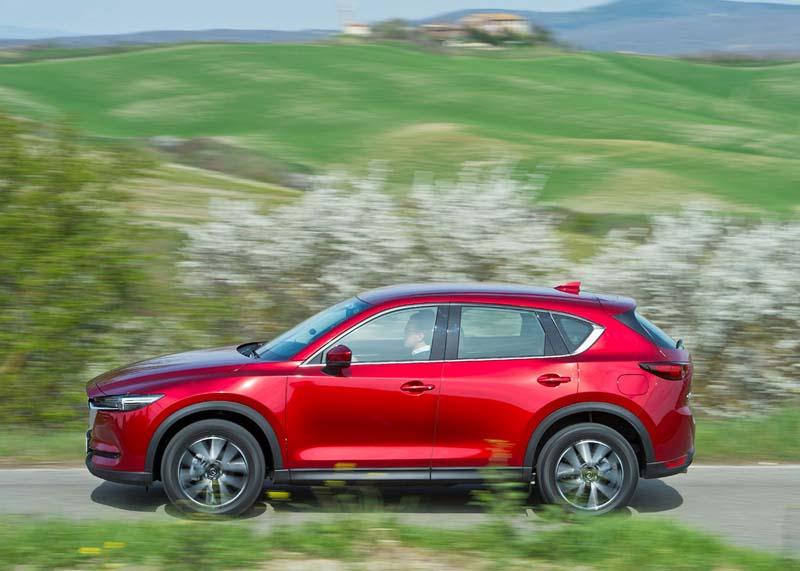 Mazda CX-5 2.0 SKYACTIV 2017, foto lateral
