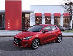 Foto Perfil Mazda Mazda2 Dos Volumenes 2014