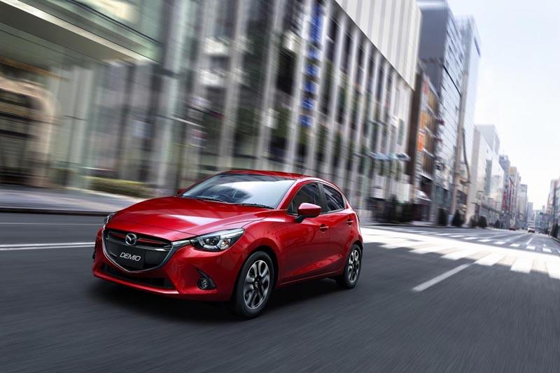 Foto Delantera Mazda Mazda2 Dos Volumenes 2014