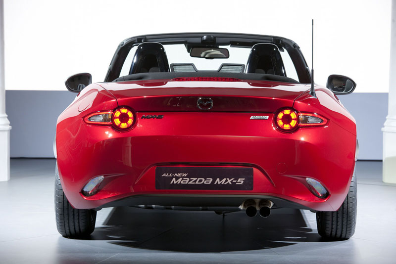 Foto Trasera Mazda Mx 5 Descapotable 2015