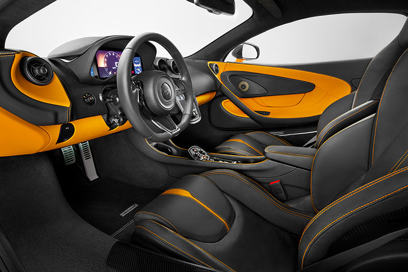 Puesto de conducción del McLaren 570S
