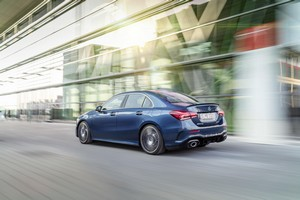 Foto Trasera Mercedes A-35-amg-4-matic Sedan 2019
