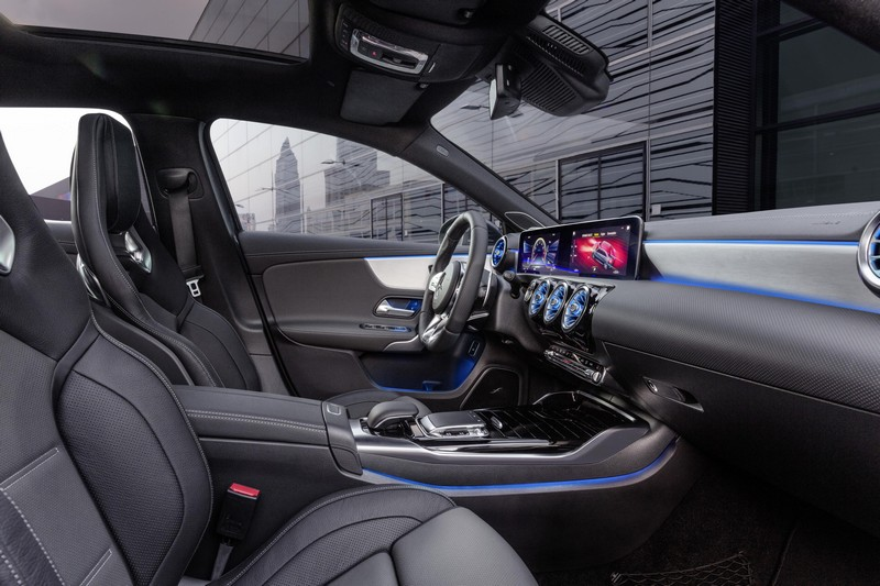 Foto Interiores Mercedes A-35-amg-4-matic Sedan 2019