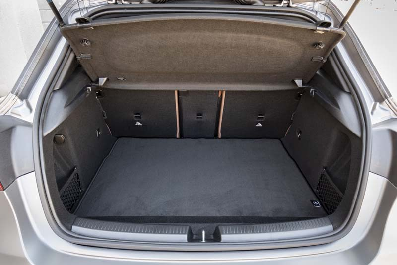 Foto Interiores (1) Mercedes A-45-amg Dos Volumenes 2019