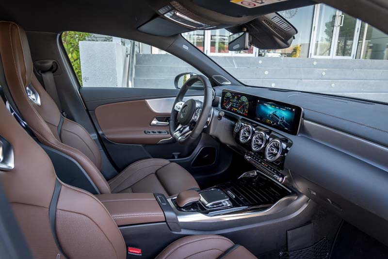 Foto Interiores Mercedes A 45 Amg Dos Volumenes 2019