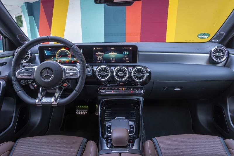 Mercedes AMG A 45 S 2019, foto salpicadero