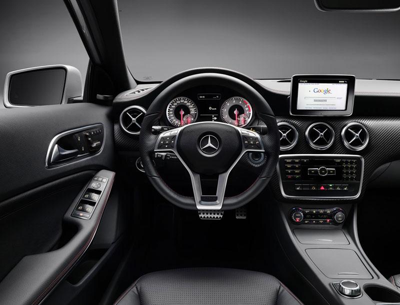 Foto Interiores Mercedes A Class Dos Volumenes 2012