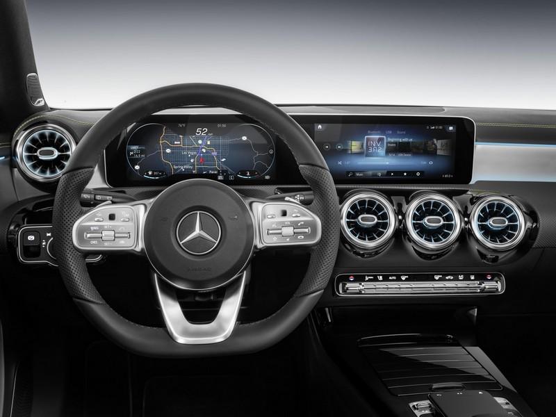 Mercedes Clase A 2018. Foto salpicadero