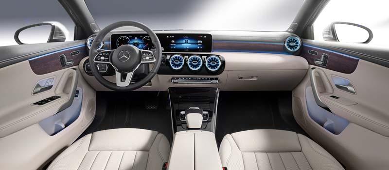 Mercedes A 200 7G-DCT Sedán, foto salpicadero