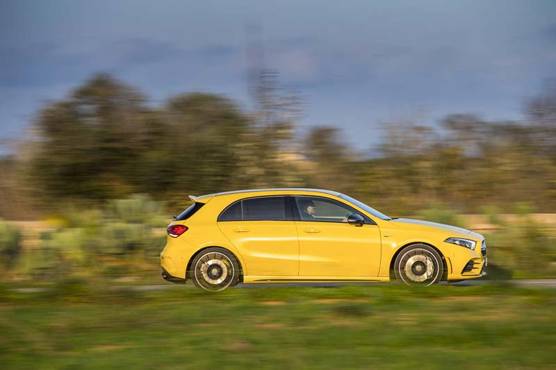 Mercedes AMG A 35 4Matic, foto lateral