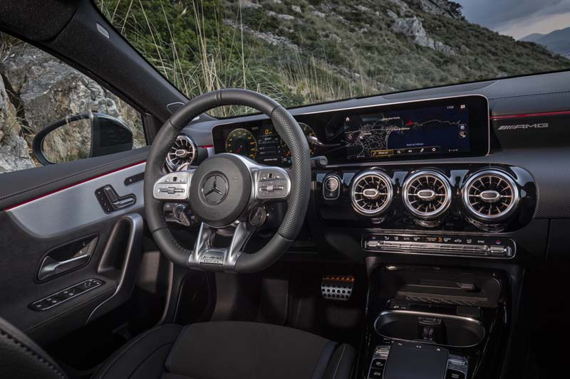 Mercedes AMG A 35 4Matic, foto salpicadero