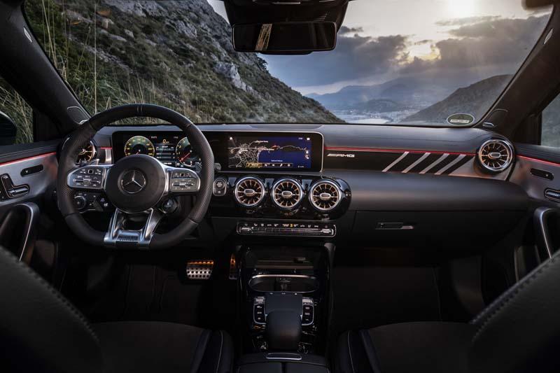 Foto Interiores Mercedes A35 Amg Dos Volumenes 2018