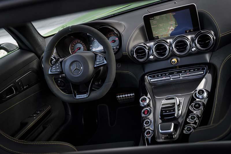 Mercedes-AMG GT R, foto salpicadero