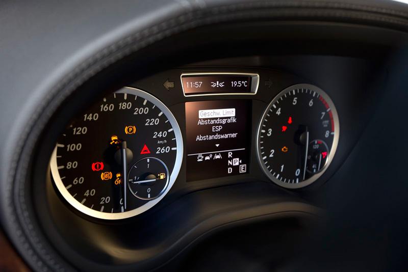 Foto Detalles48 Mercedes B Class Monovolumen 2011