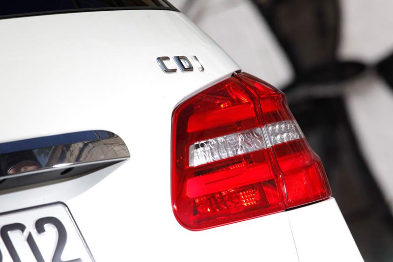Foto Detalles80 Mercedes B Class Monovolumen 2011