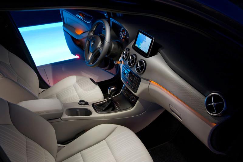 Foto Interiores03 Mercedes B Class Monovolumen 2011