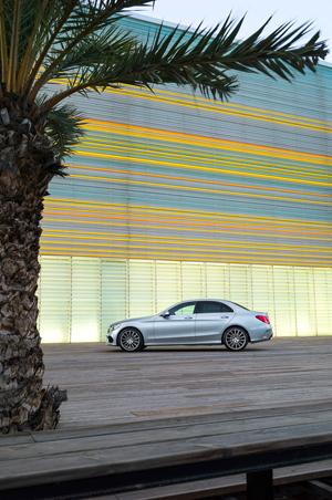 Foto Exteriores (12) Mercedes C-class Berlina 2014
