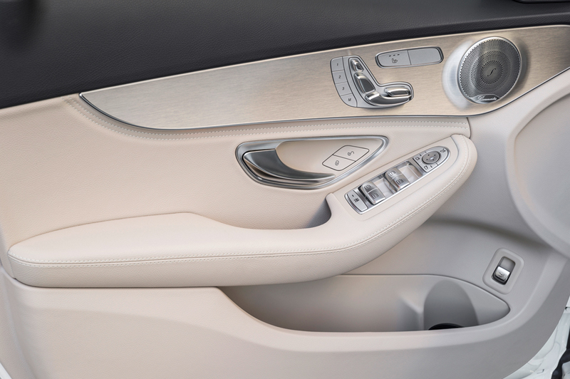 Foto Interiores Mercedes C Class Berlina 2014