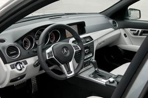 Foto Interiores Mercedes C-class Sedan 2011