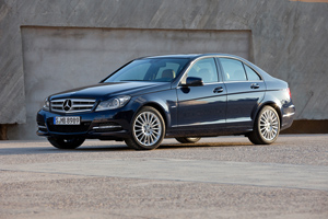 Foto Lateral Mercedes C-class Sedan 2011