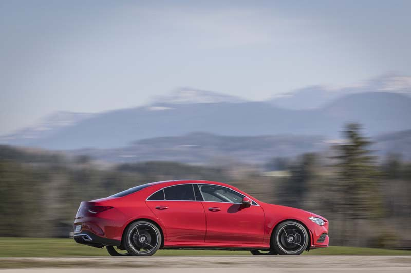 Mercedes CLA Coupé 2019, foto lateral