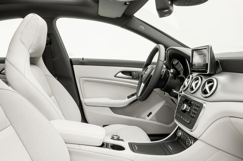 Foto Interiores Mercedes Cla Class Cupe 2013